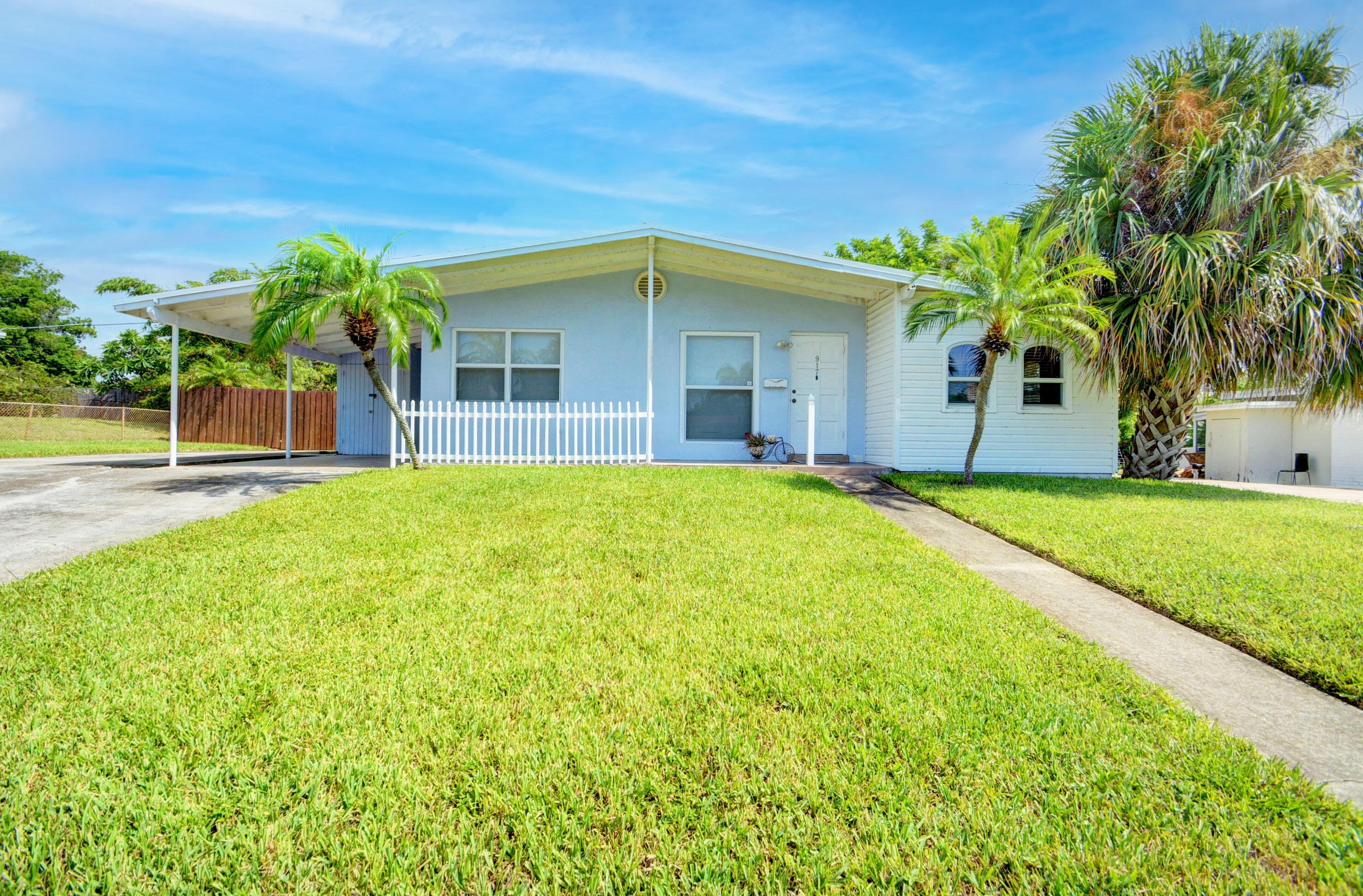 917 W Drew Street  Lantana FL 33462