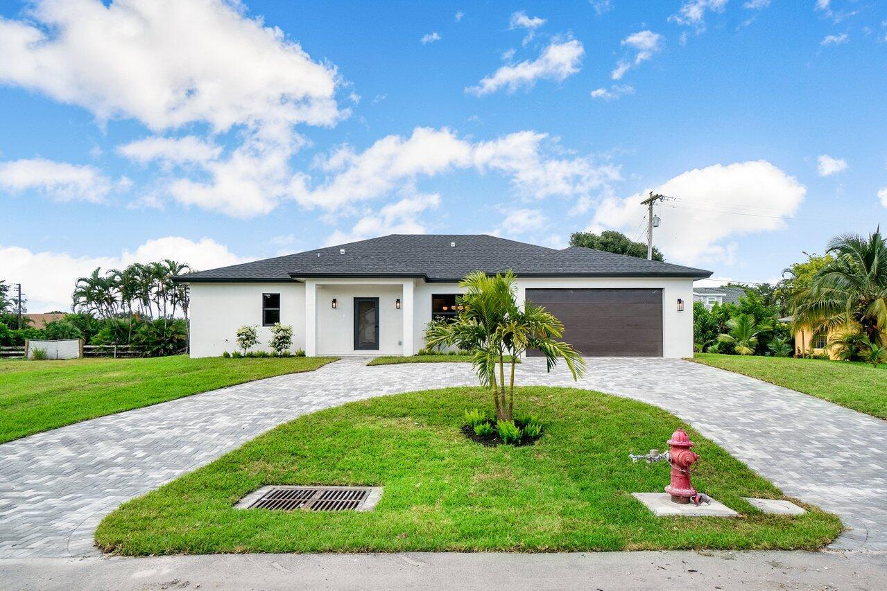 5475  Greenwood Drive  For Sale 10745066, FL