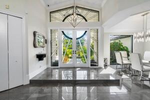 DRAMITIC DOUBLE DOOR ENTRY AND FOYER