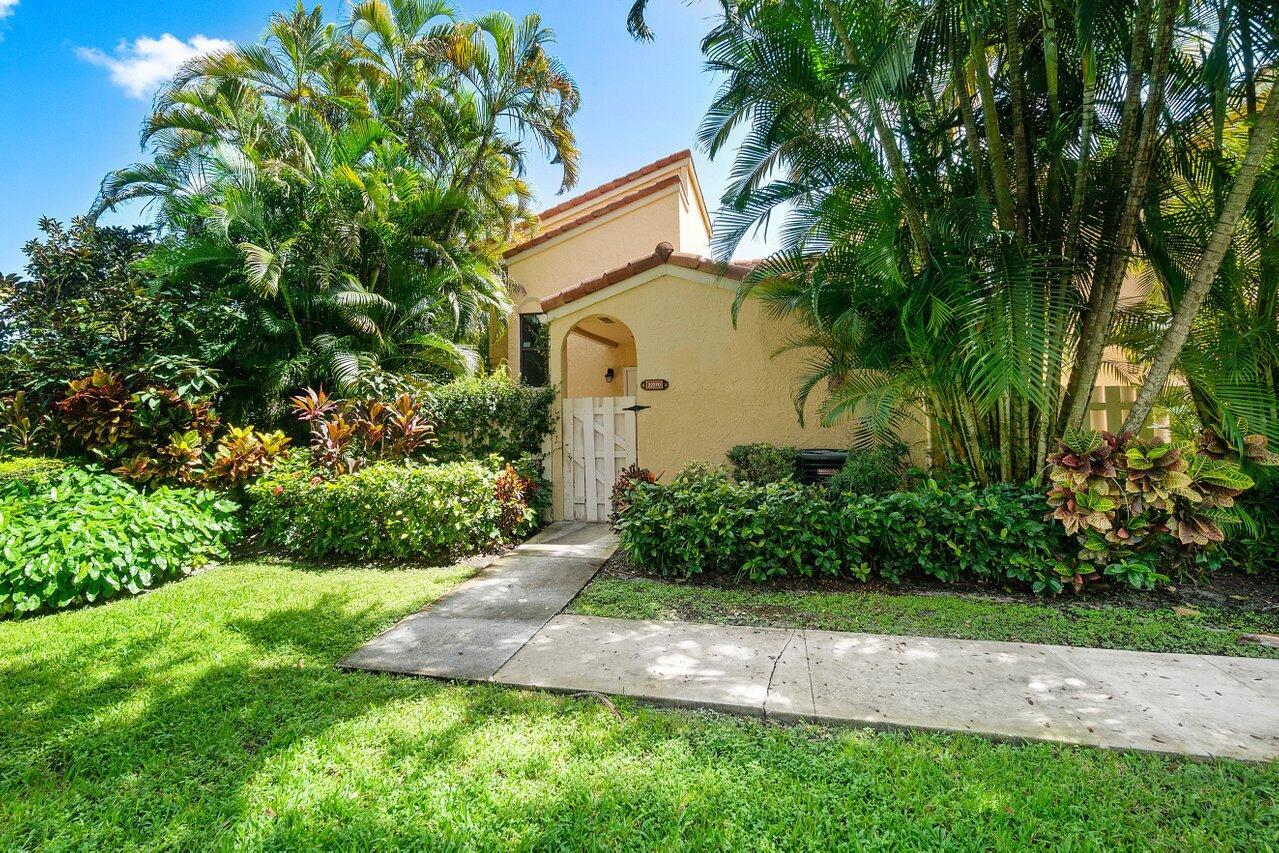 22270  Pineapple Walk Drive  For Sale 10745061, FL