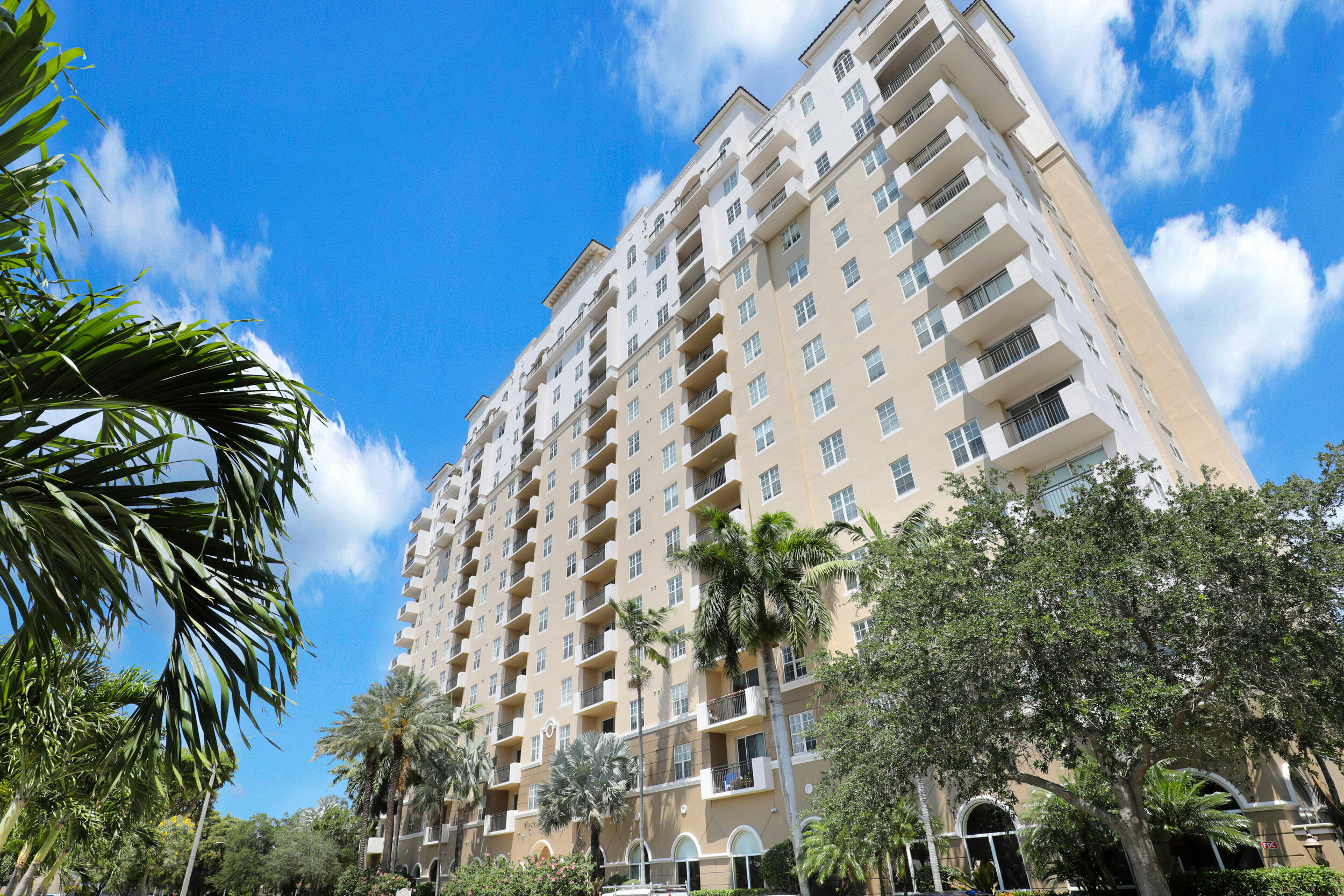 616  Clearwater Park Road 504 For Sale 10746133, FL
