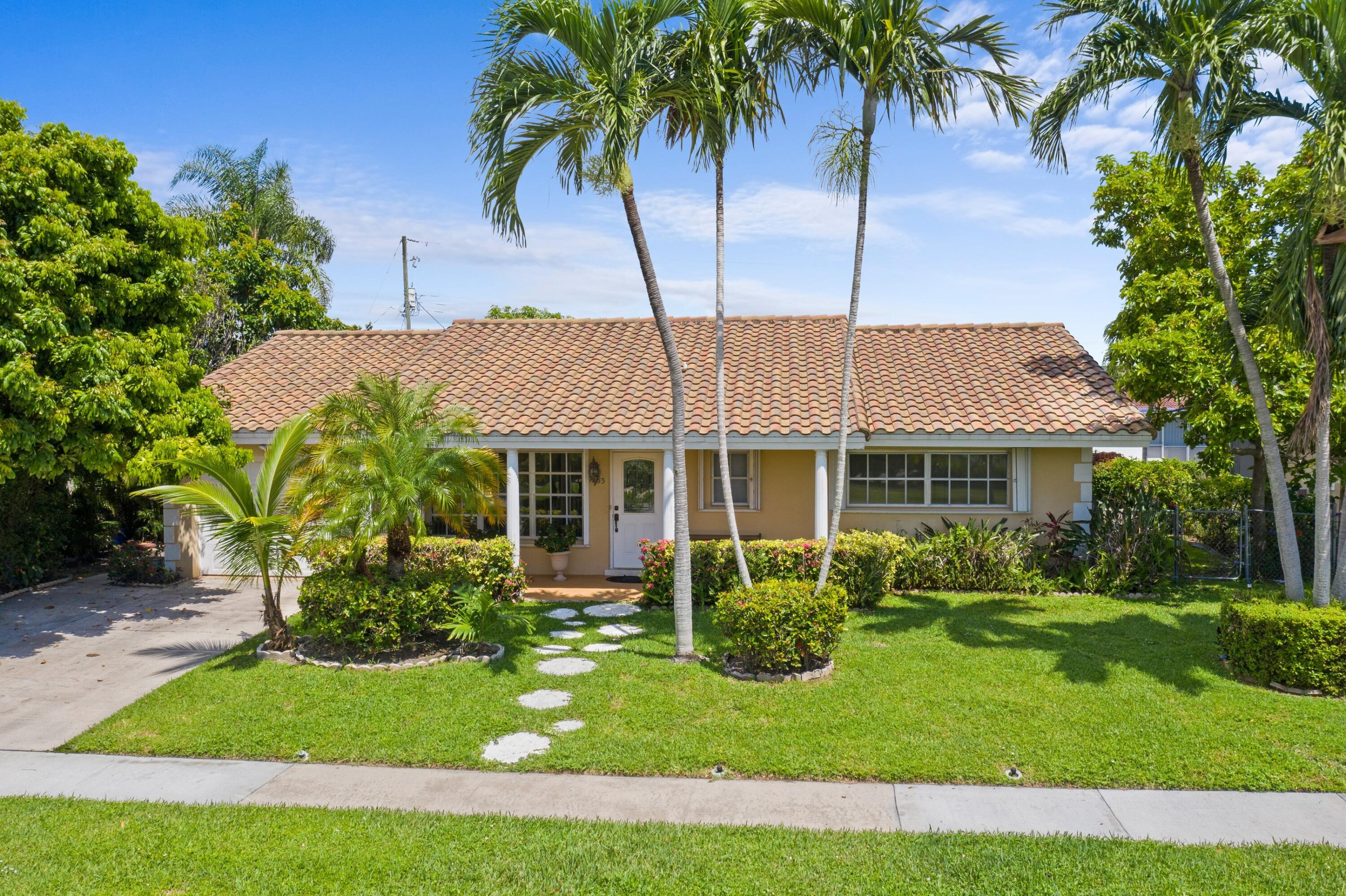 1385 NW 6th Street  For Sale 10745171, FL