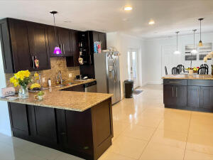 360 SW 2nd Street, Boca Raton, FL 33432