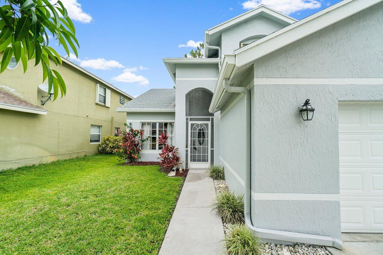 145 Heatherwood Drive Royal Palm Beach, FL 33411 photo 3