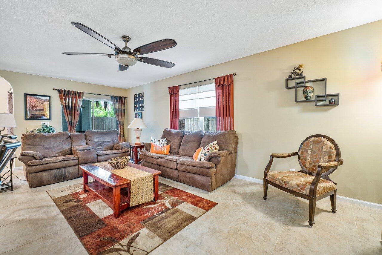 145 Heatherwood Drive Royal Palm Beach, FL 33411 photo 14