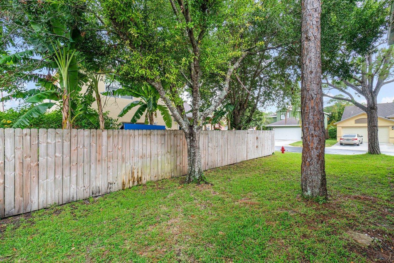 145 Heatherwood Drive Royal Palm Beach, FL 33411 photo 34