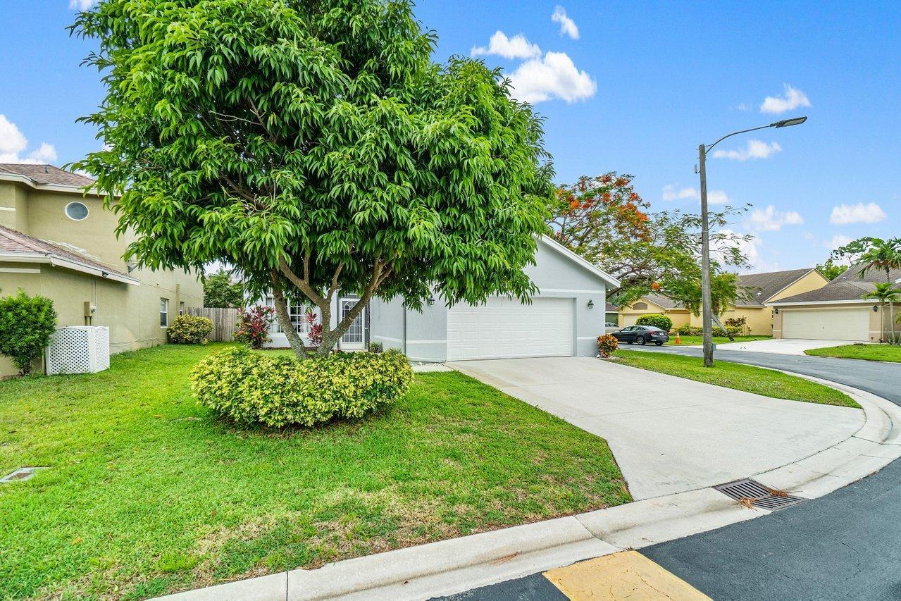145 Heatherwood Drive Royal Palm Beach, FL 33411 photo 36