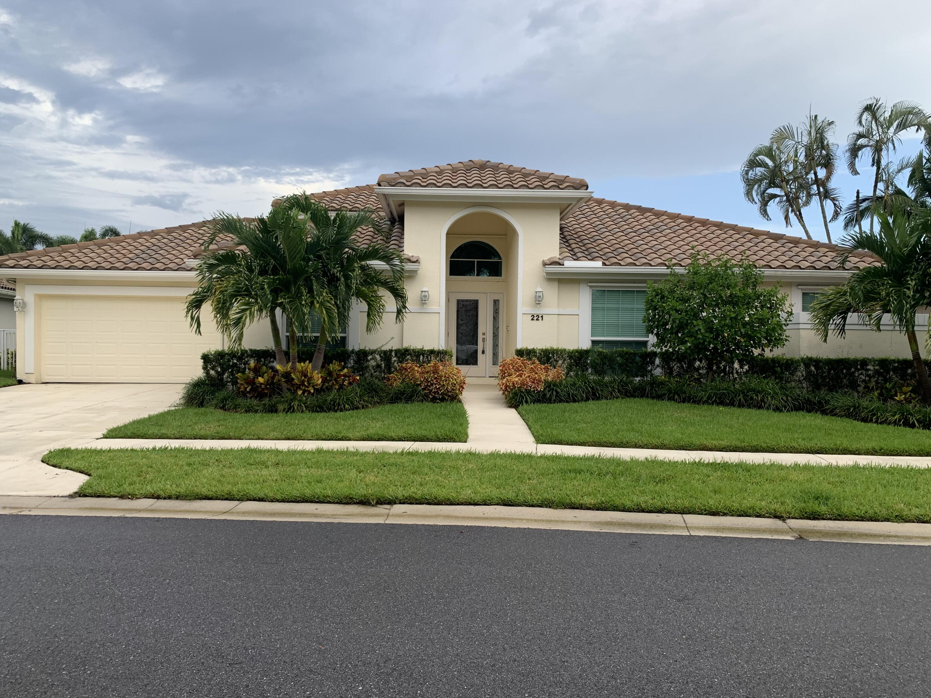 Beautiful Renovated Furnished Home in the great neighborhood of Eagleton Lakes in PGA National available for Annual or Seasonal Rental(Oct-April)$8500..This home has it ALL!  Amazing Kitchen, Master Bedroom/ Bath, Custom Closets and even an Air Conditioned Garage.