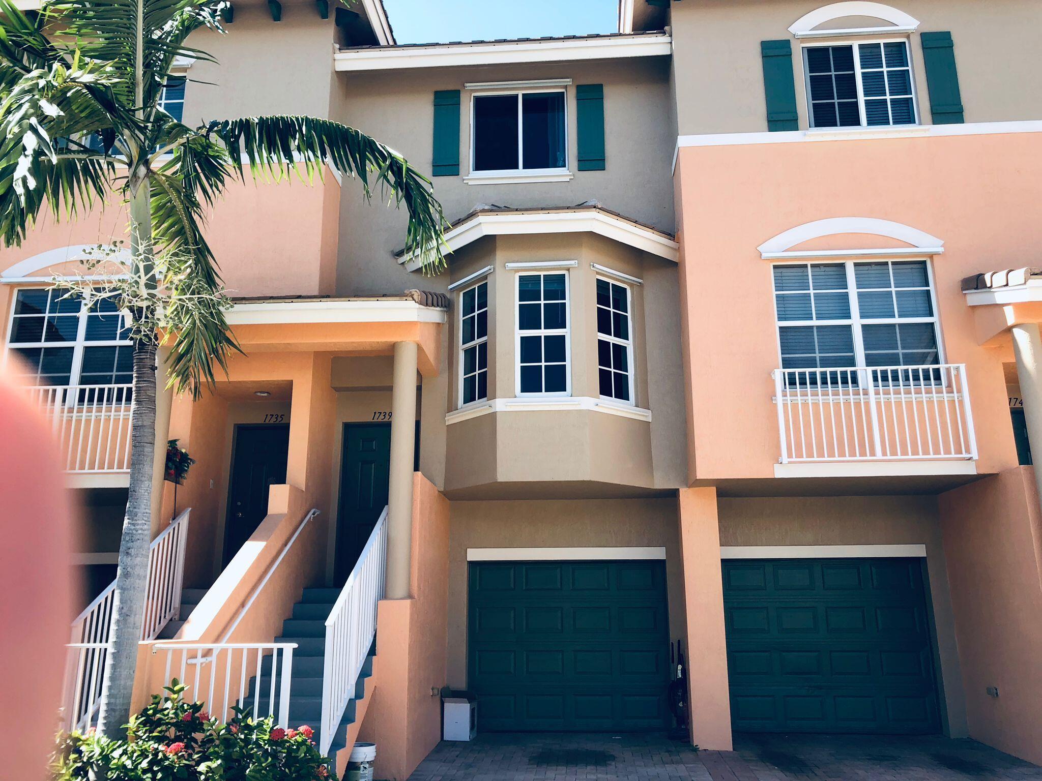 1739 NE 6th Street 1204 For Sale 10745503, FL