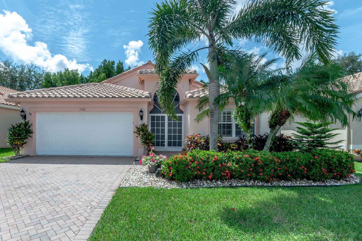 5322  Wycombe Avenue  For Sale 10745622, FL