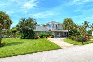 945 Crescent Beach Road, Vero Beach, FL 32963