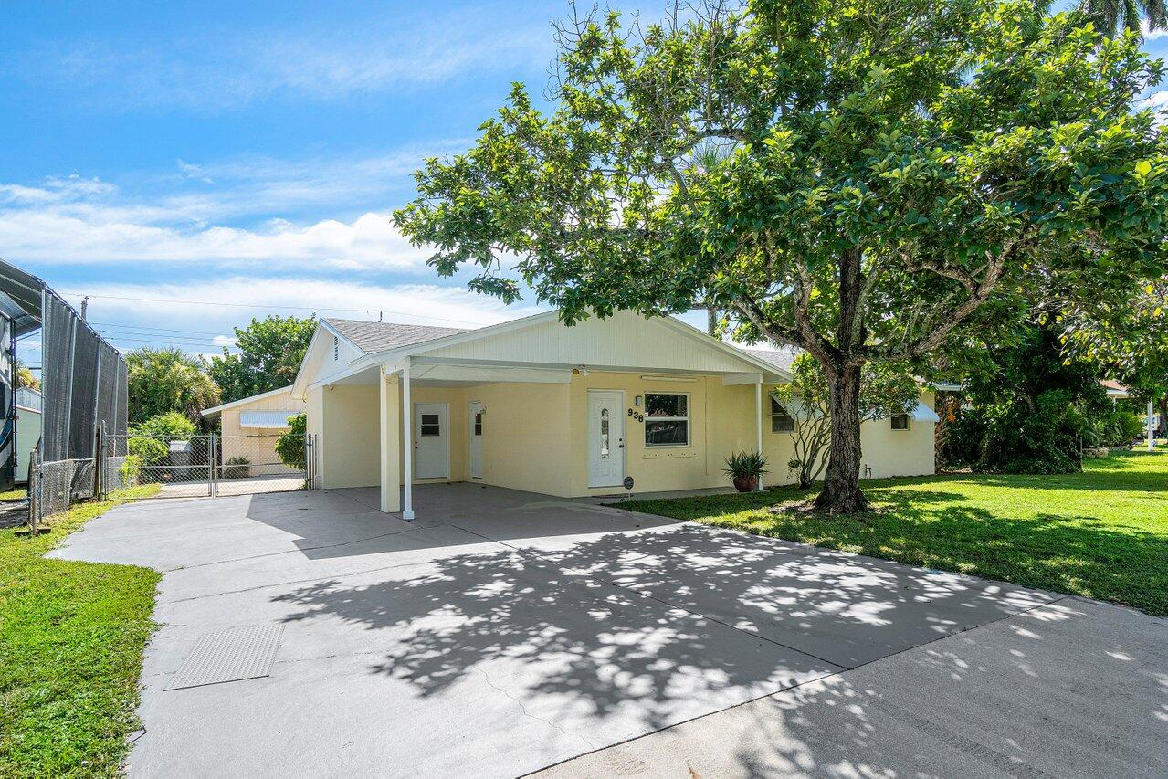 Home for sale in FERGUSSON COURT West Palm Beach Florida