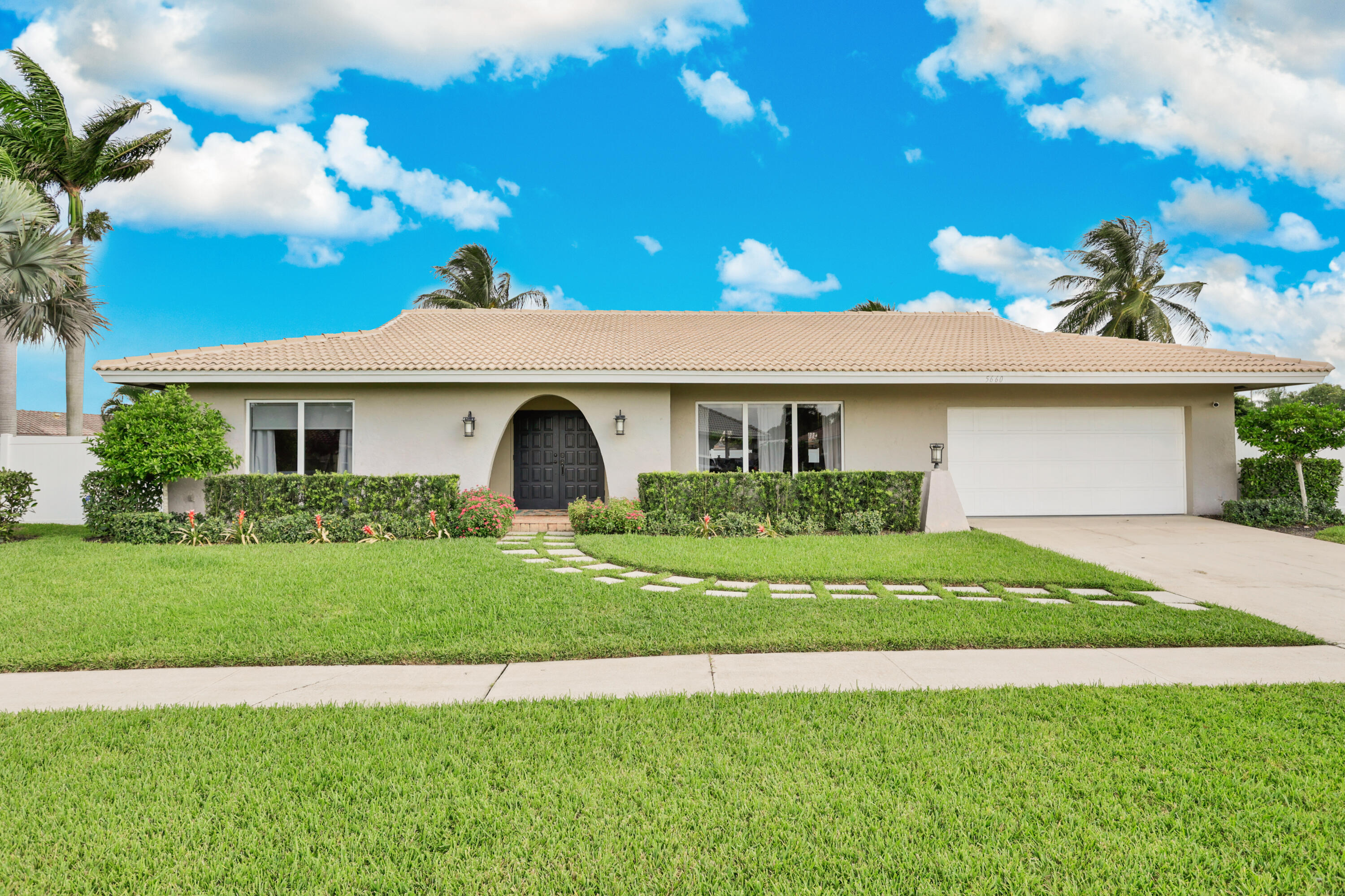 5660  Golfway Drive  For Sale 10746188, FL