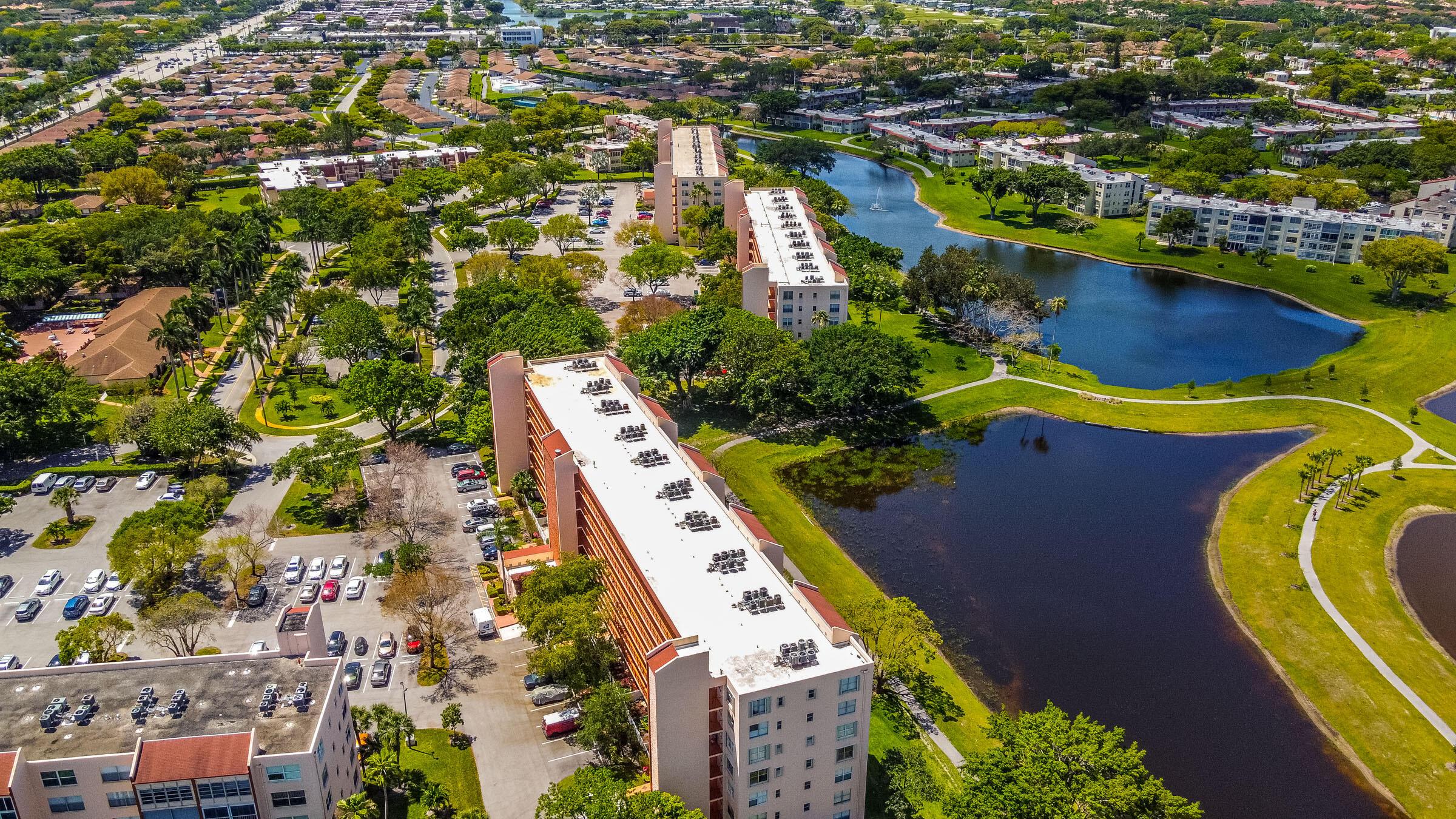 14575  Bonaire Boulevard 302 For Sale 10745756, FL