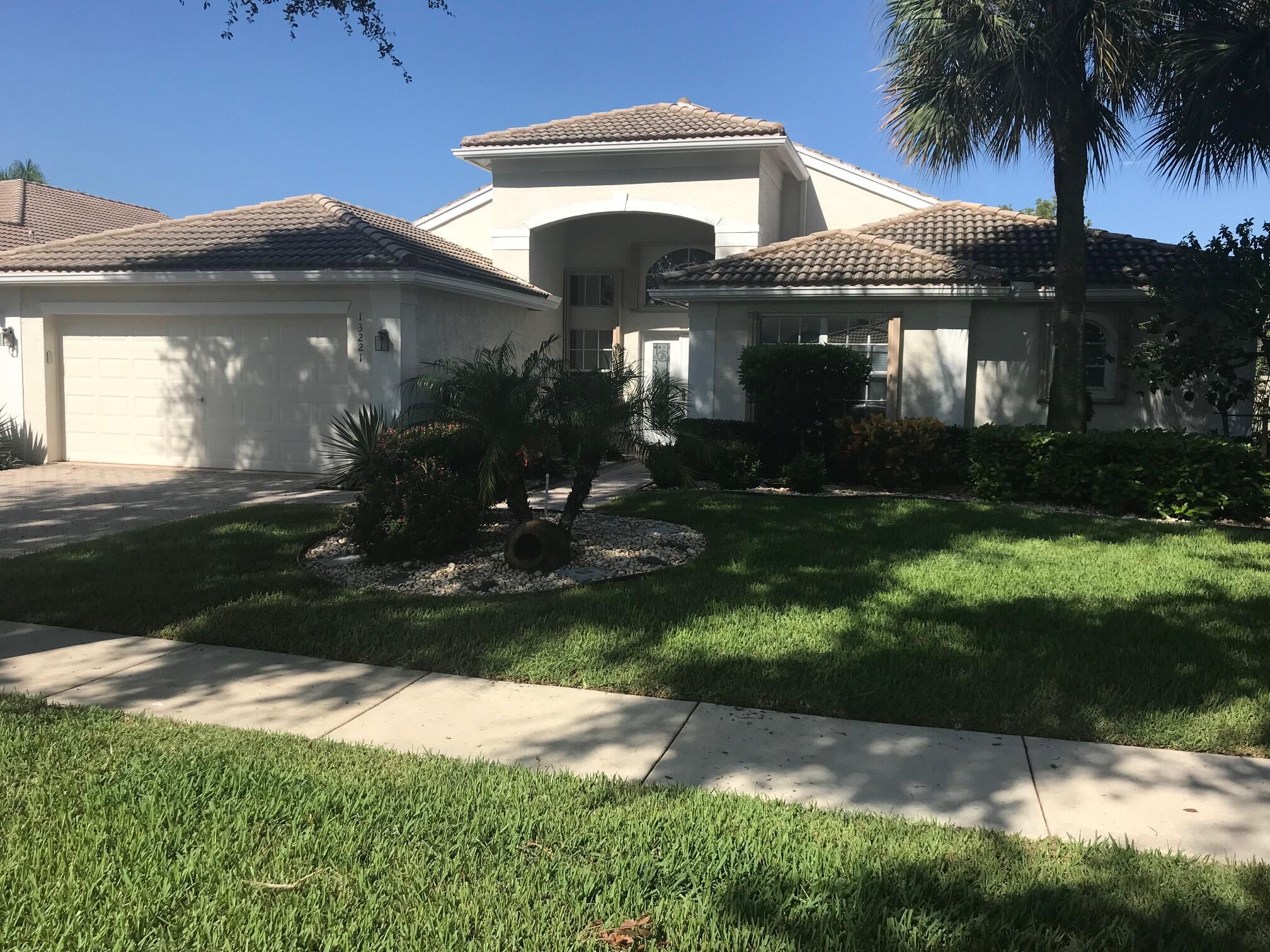 13221  Alhambra Lake Circle  For Sale 10746321, FL