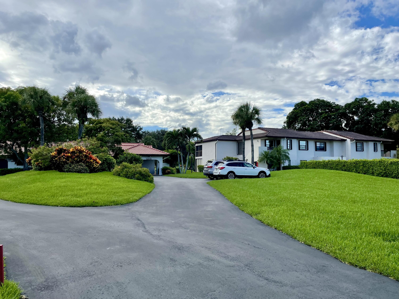 8206  Casa Del Lago  23-A For Sale 10746046, FL