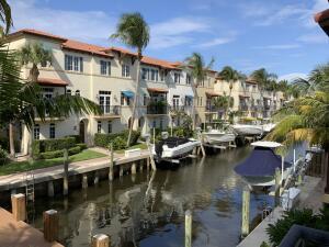 811 Estancia Way, Boynton Beach, FL 33435