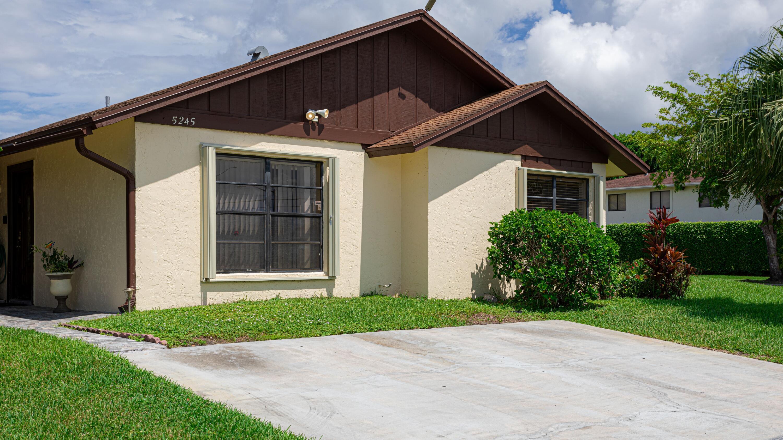 5245  Robbie Court  For Sale 10746067, FL