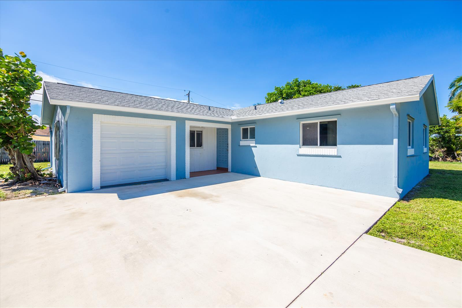 Home for sale in PALM SPRINGS VILLAGE PL 5 IN PB 25 PGS 85 TO 87 INC Palm Springs Florida