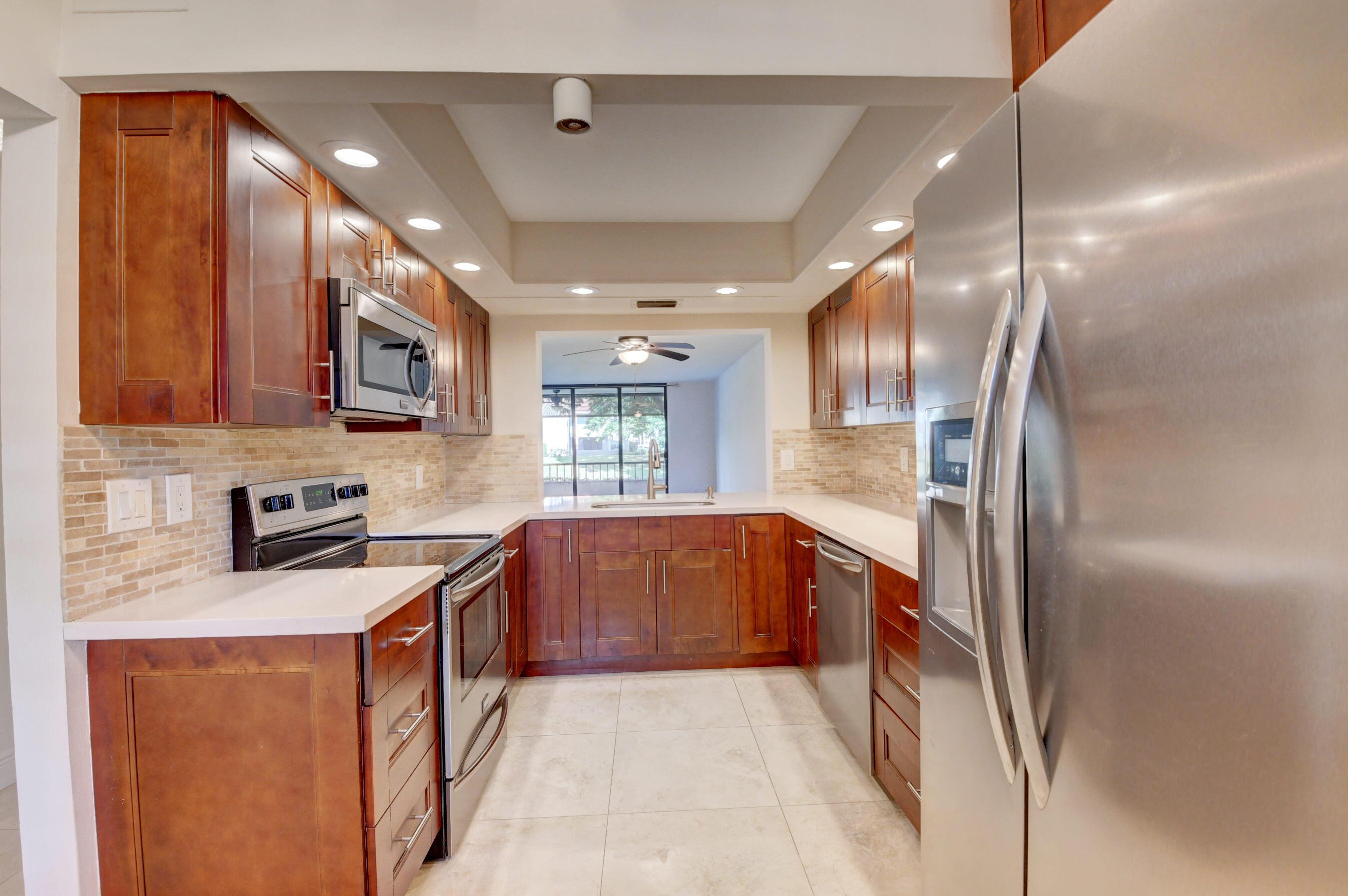 1850  Homewood Boulevard 114 For Sale 10746274, FL