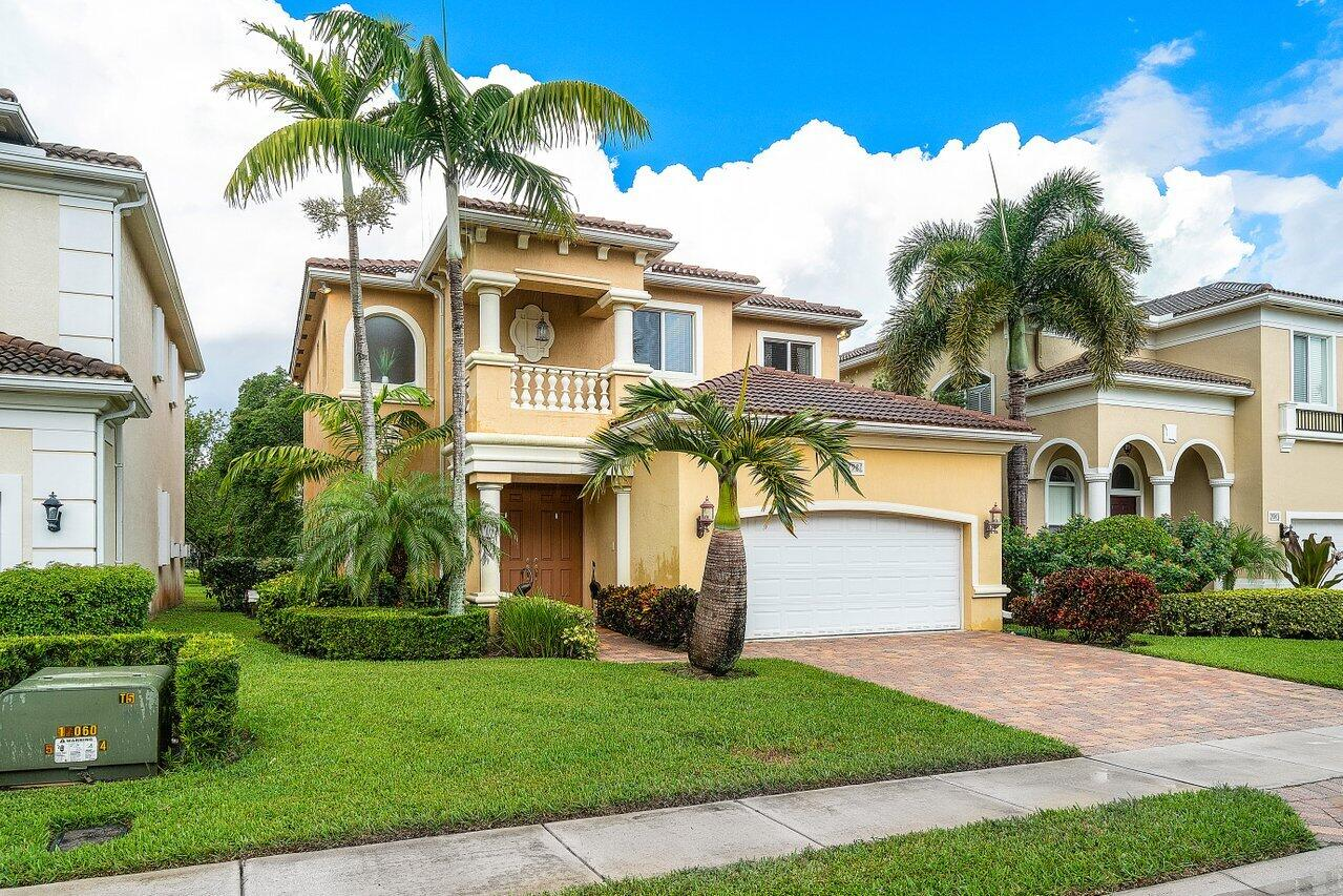 7981  Shaddock Drive  For Sale 10746386, FL