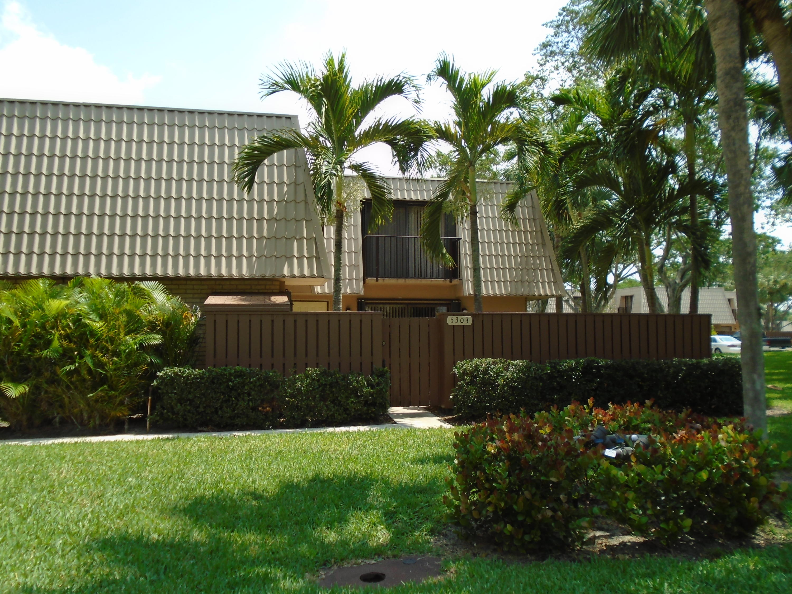 5303  53rd Way  For Sale 10751512, FL