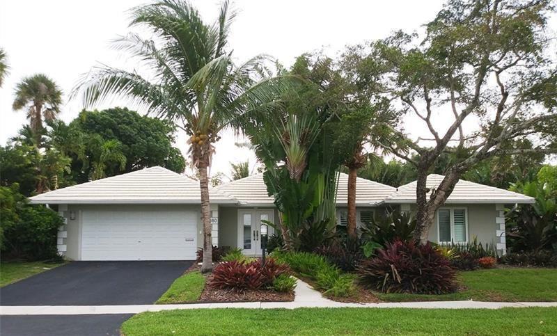 880 SW Hickory Ter Terrace  Boca Raton, FL 33486