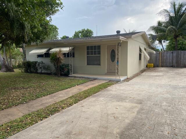 1611 NW 1st Court  For Sale 10746772, FL