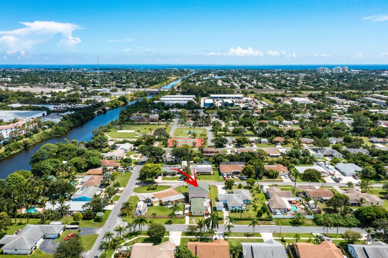 1315 NW 8th Court 1 For Sale 10748890, FL