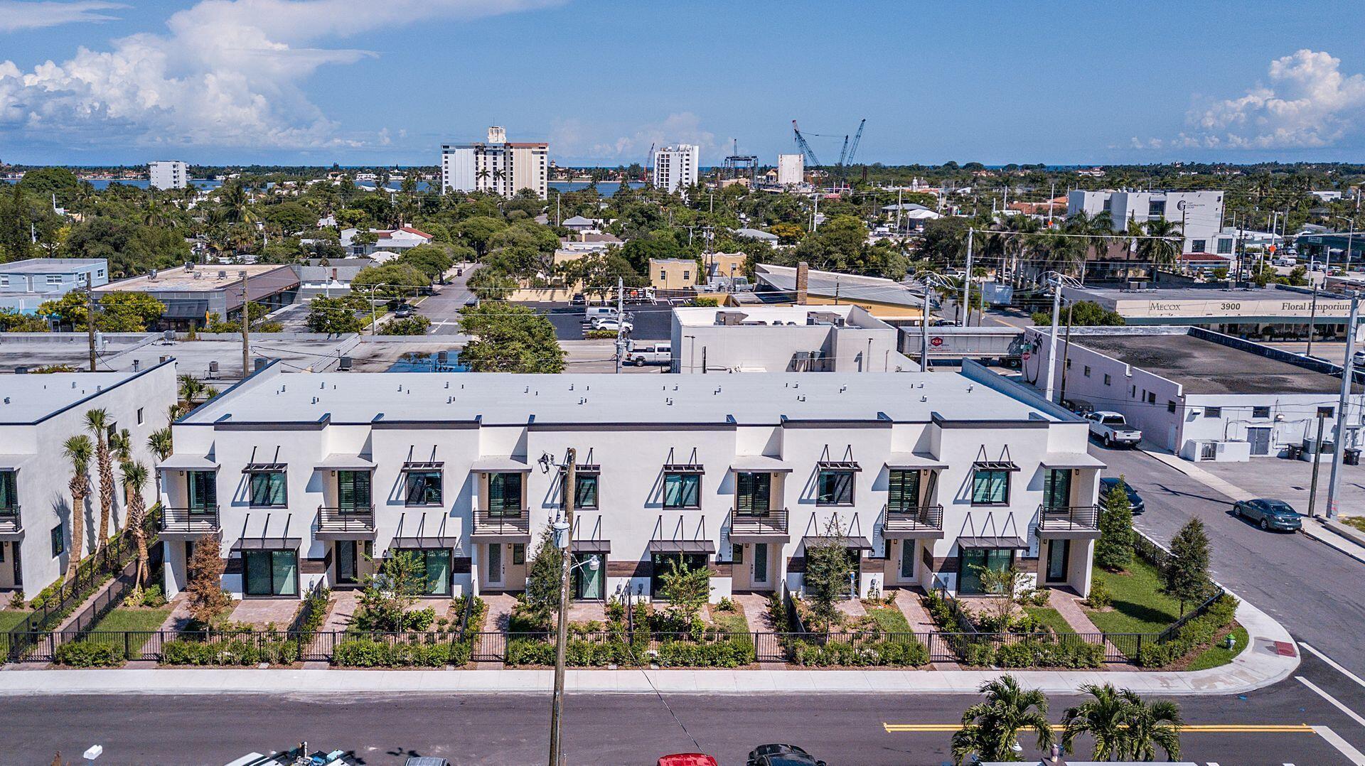 3844 Lambert Avenue West Palm Beach, FL 33405 photo 2