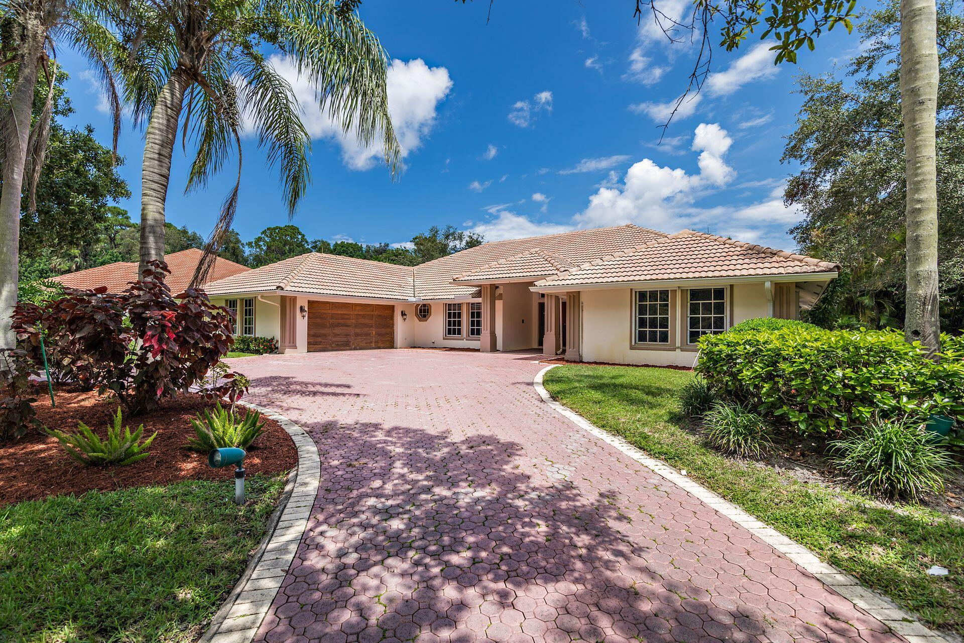 1834  Breakers West Court  For Sale 10746798, FL
