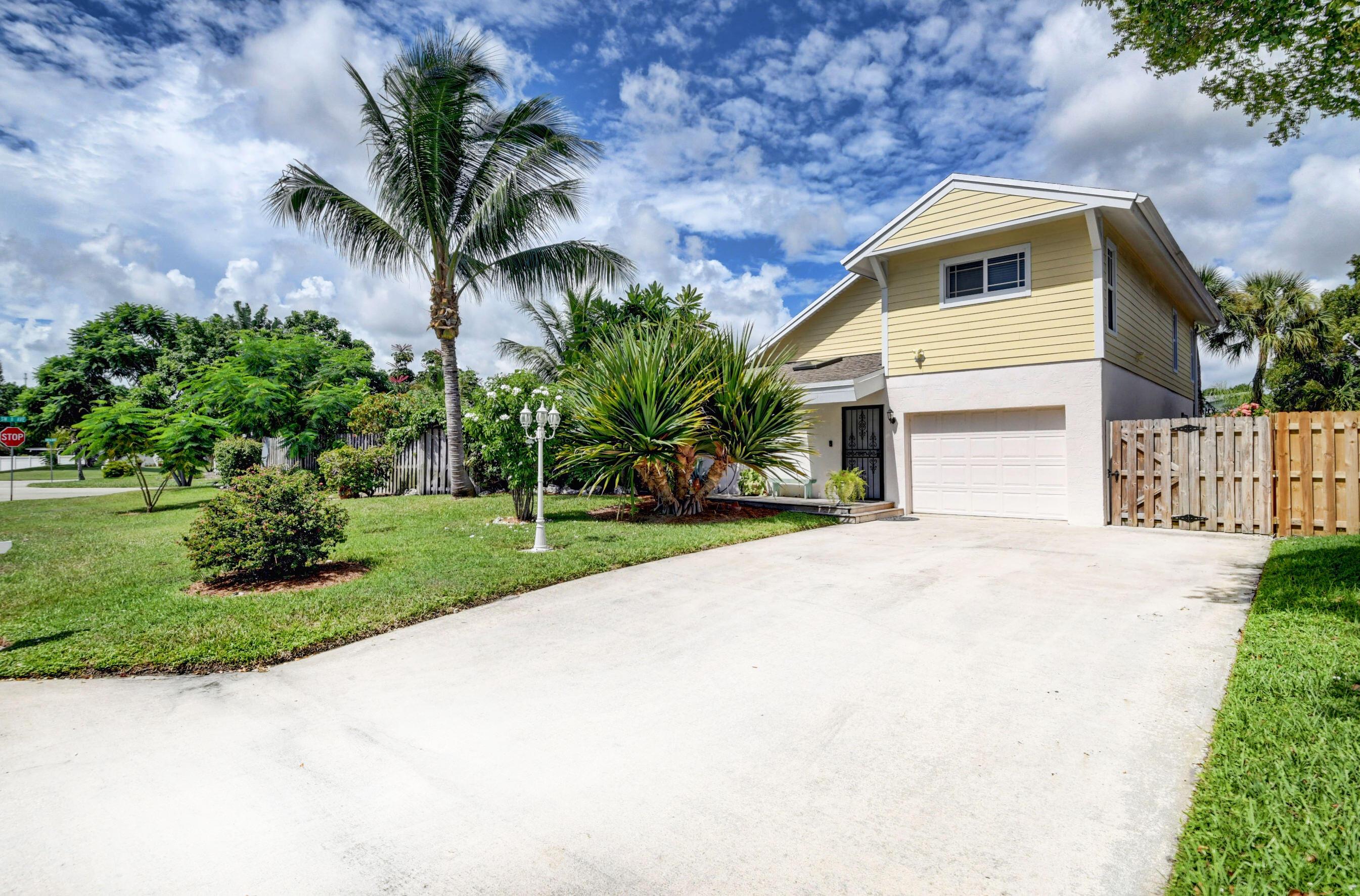 2475  Sundy Avenue  For Sale 10746295, FL