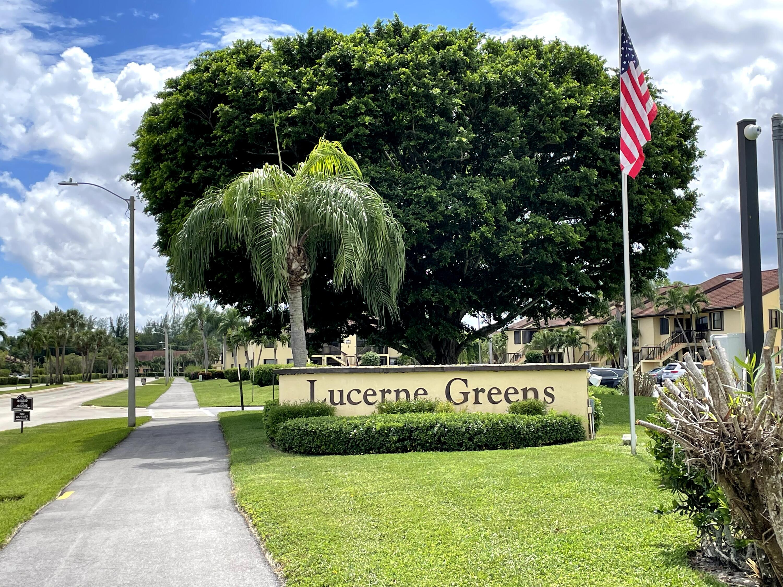 4711 Lucerne Lakes Boulevard 101 Lake Worth, FL 33467