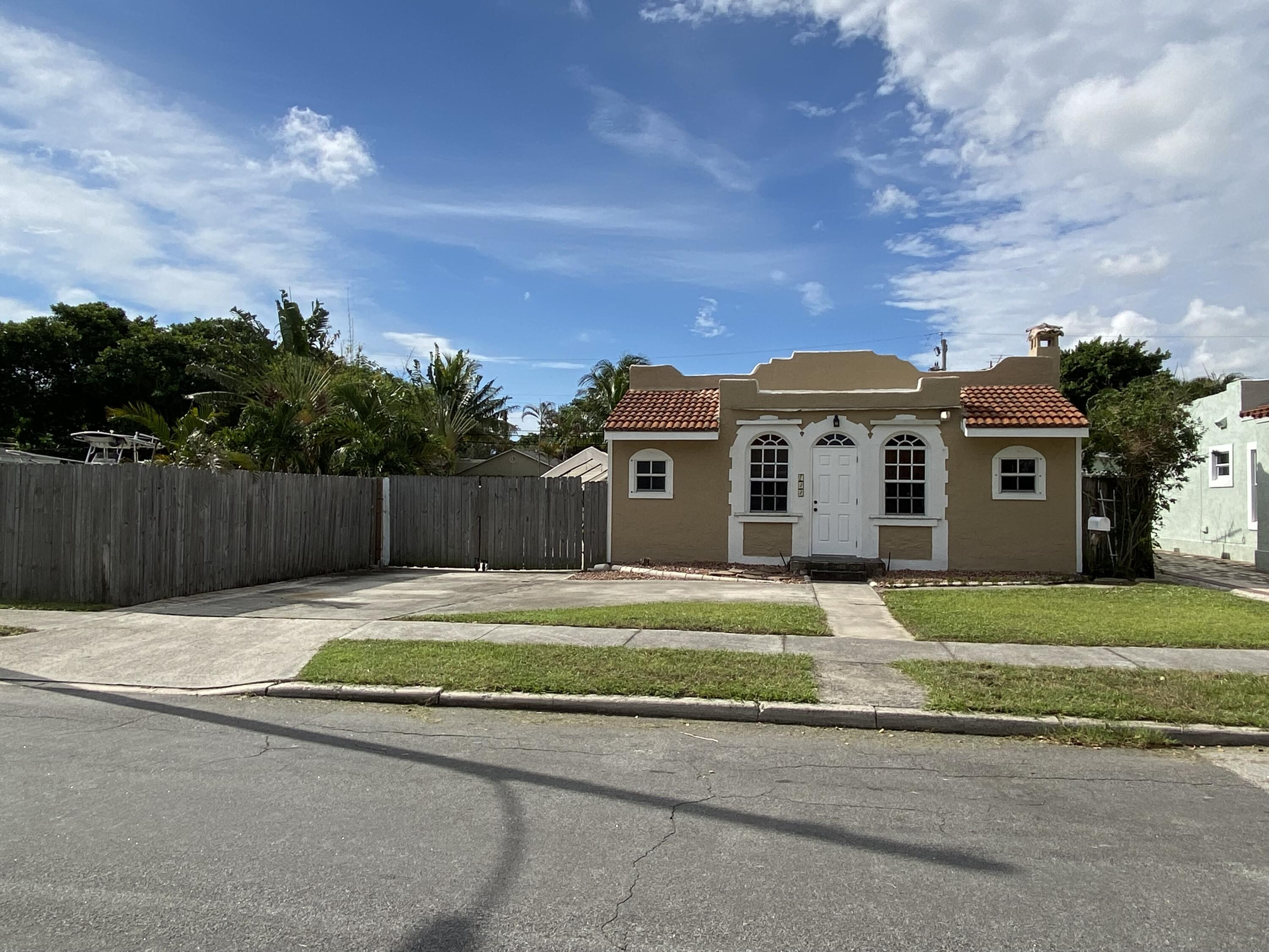 722  Valley Forge Road  For Sale 10747068, FL