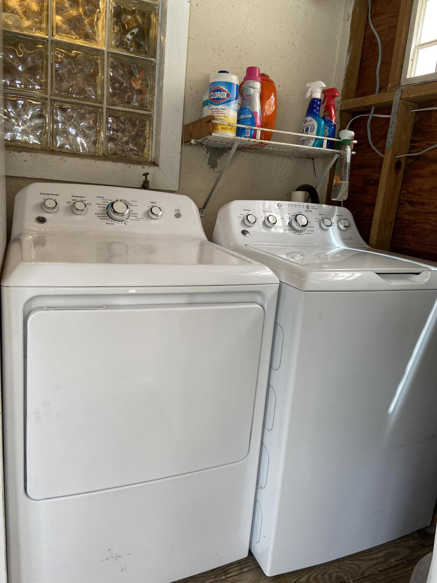 FULL SIZED WASHER & GAS DRYER