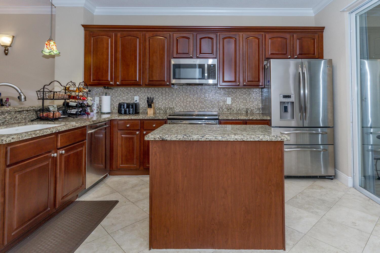 2891 S Greenleaf Circle  For Sale 10745705, FL