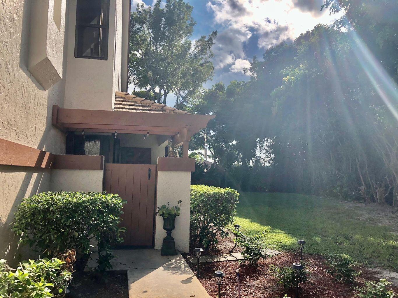 12725  Shoreline Drive 6d For Sale 10746980, FL