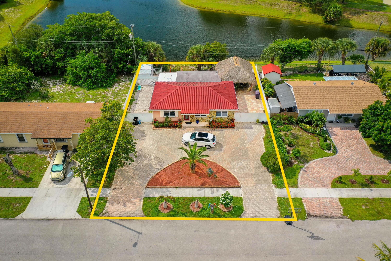 1813 N 15th Lake Worth, FL 33460