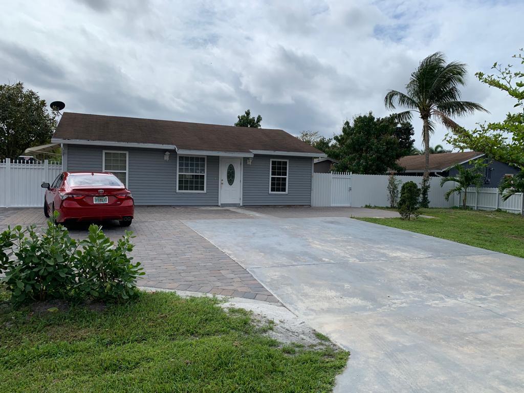 4758 Alberta Avenue West Palm Beach, FL 33417