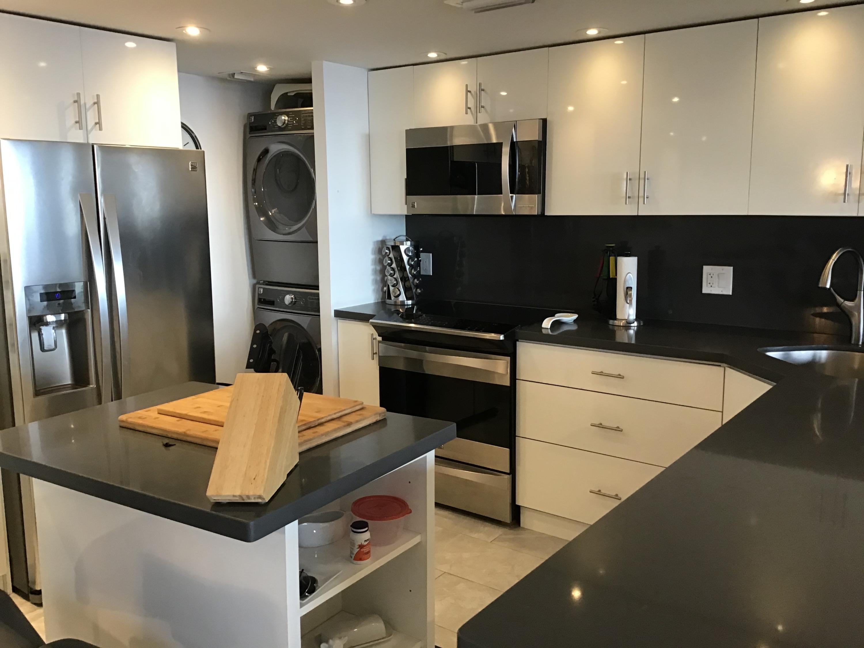 405 N Ocean 916 - kitchen