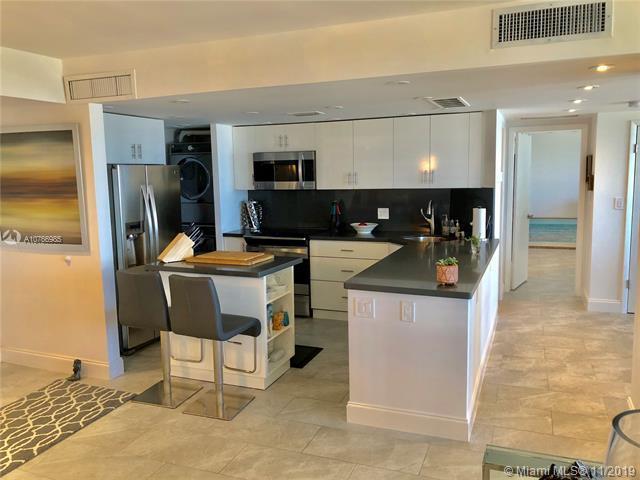 405 N Ocean 916 - Bright Open Kitchen