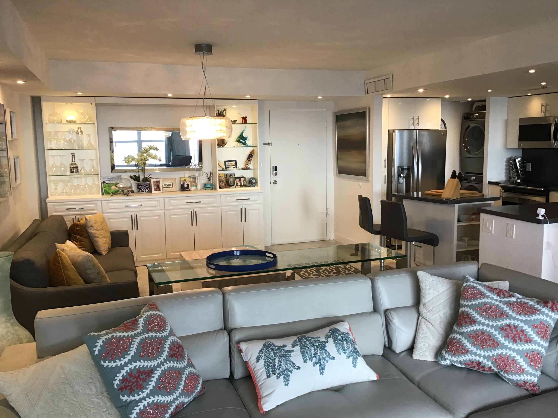 405 N Ocean 916 - Living area