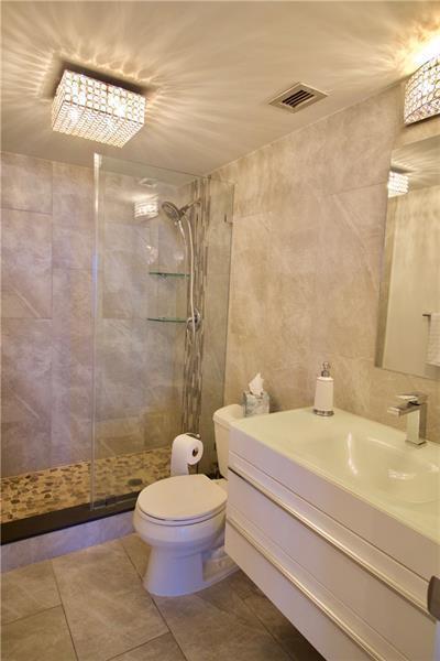 405 N Ocean 916 - Master Bath