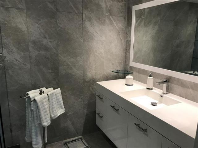 405 N Ocean 916 - Master Bath 2