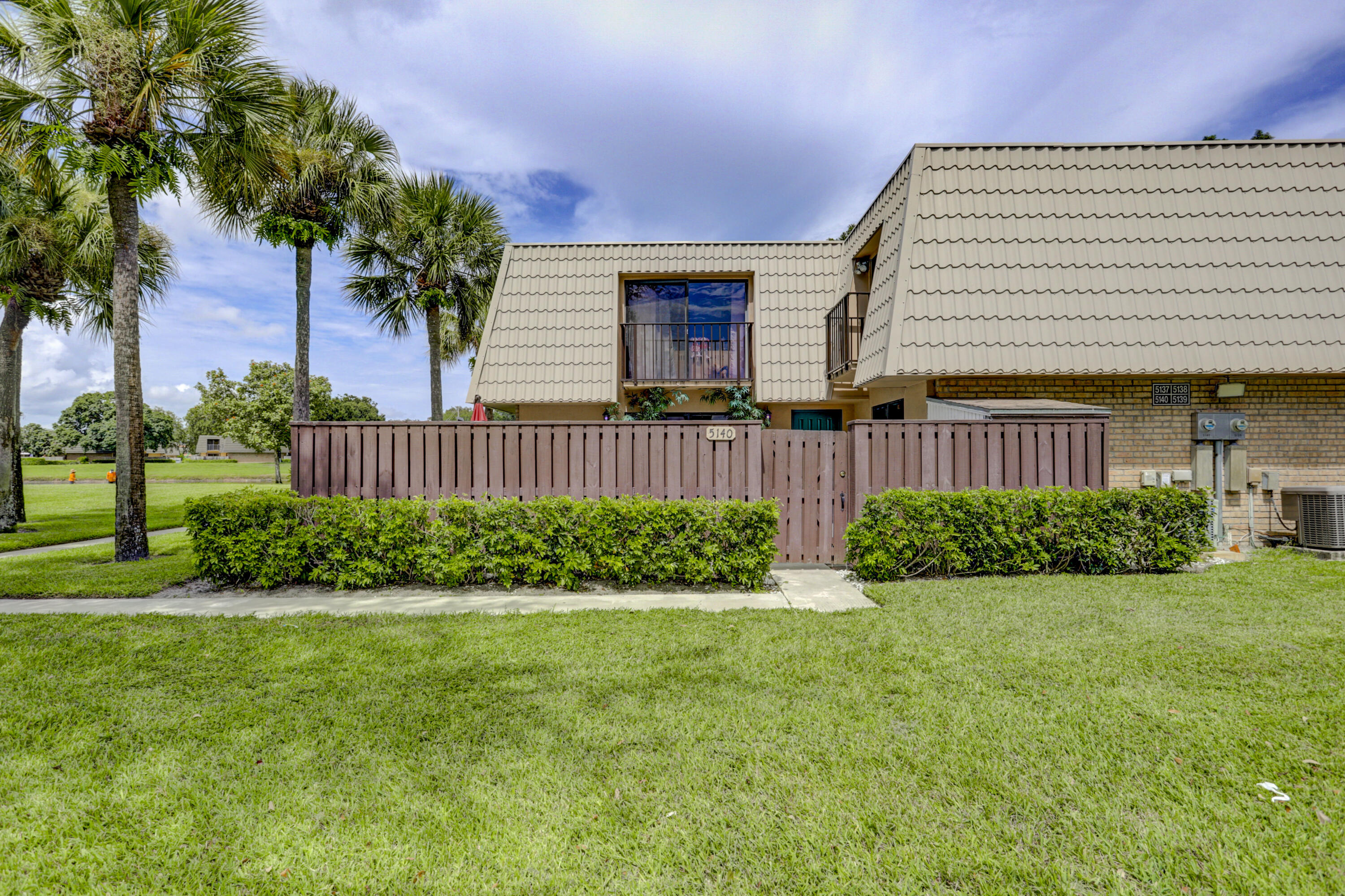 5140  51st Way   For Sale 10747620, FL