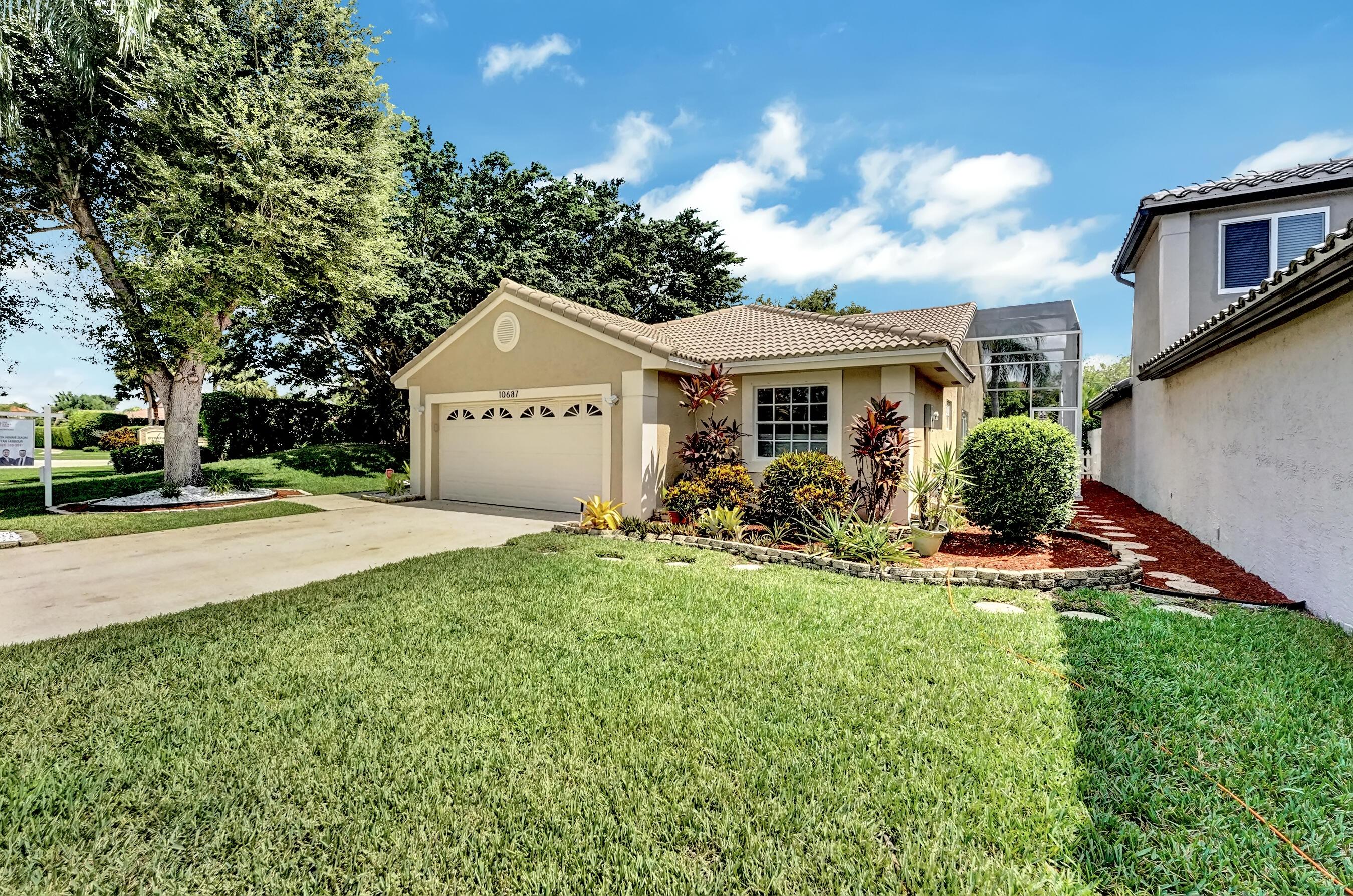 10687  Pebble Cove Lane  For Sale 10747267, FL