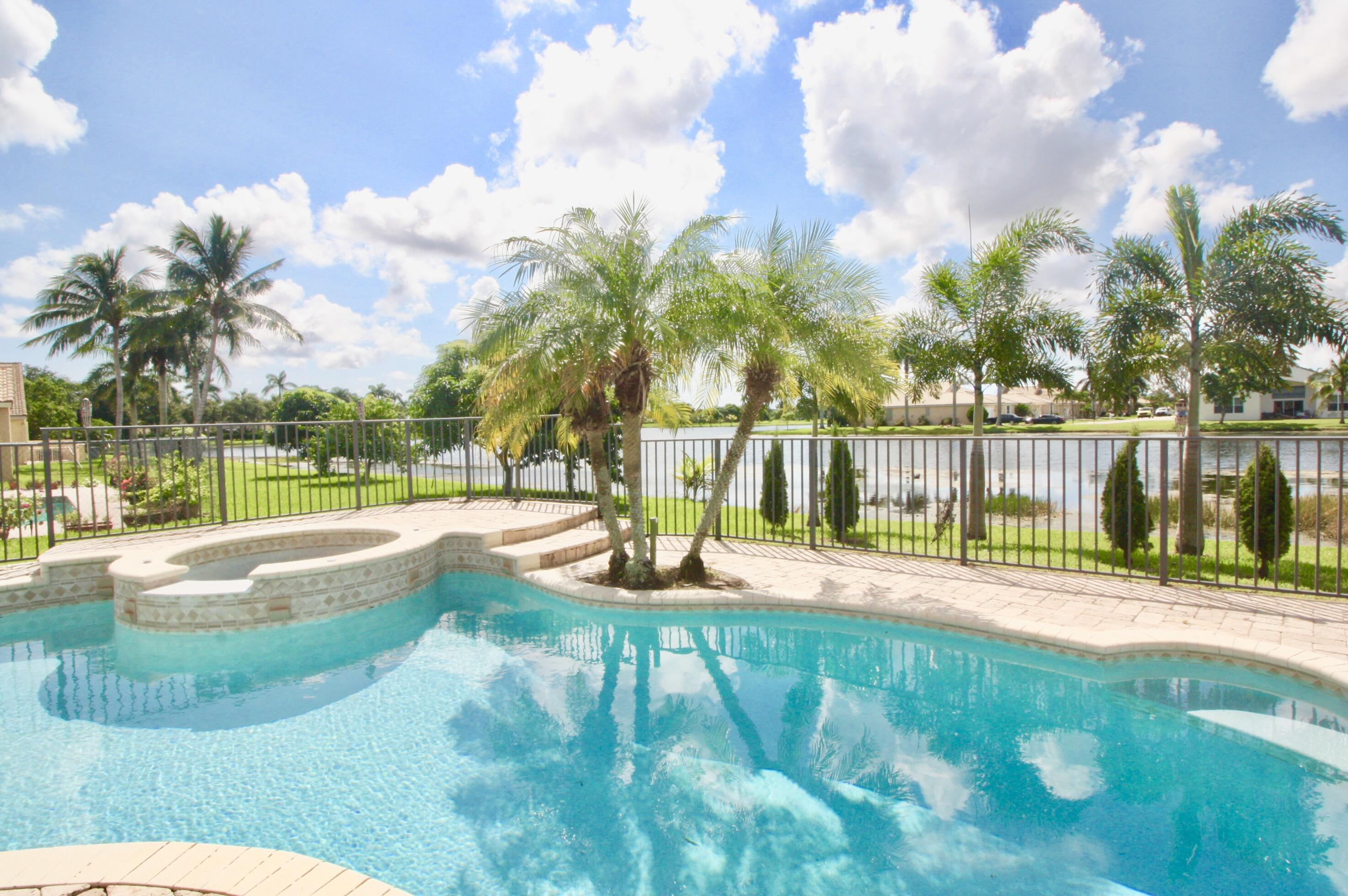 9336  Cove Point Circle  For Sale 10747341, FL