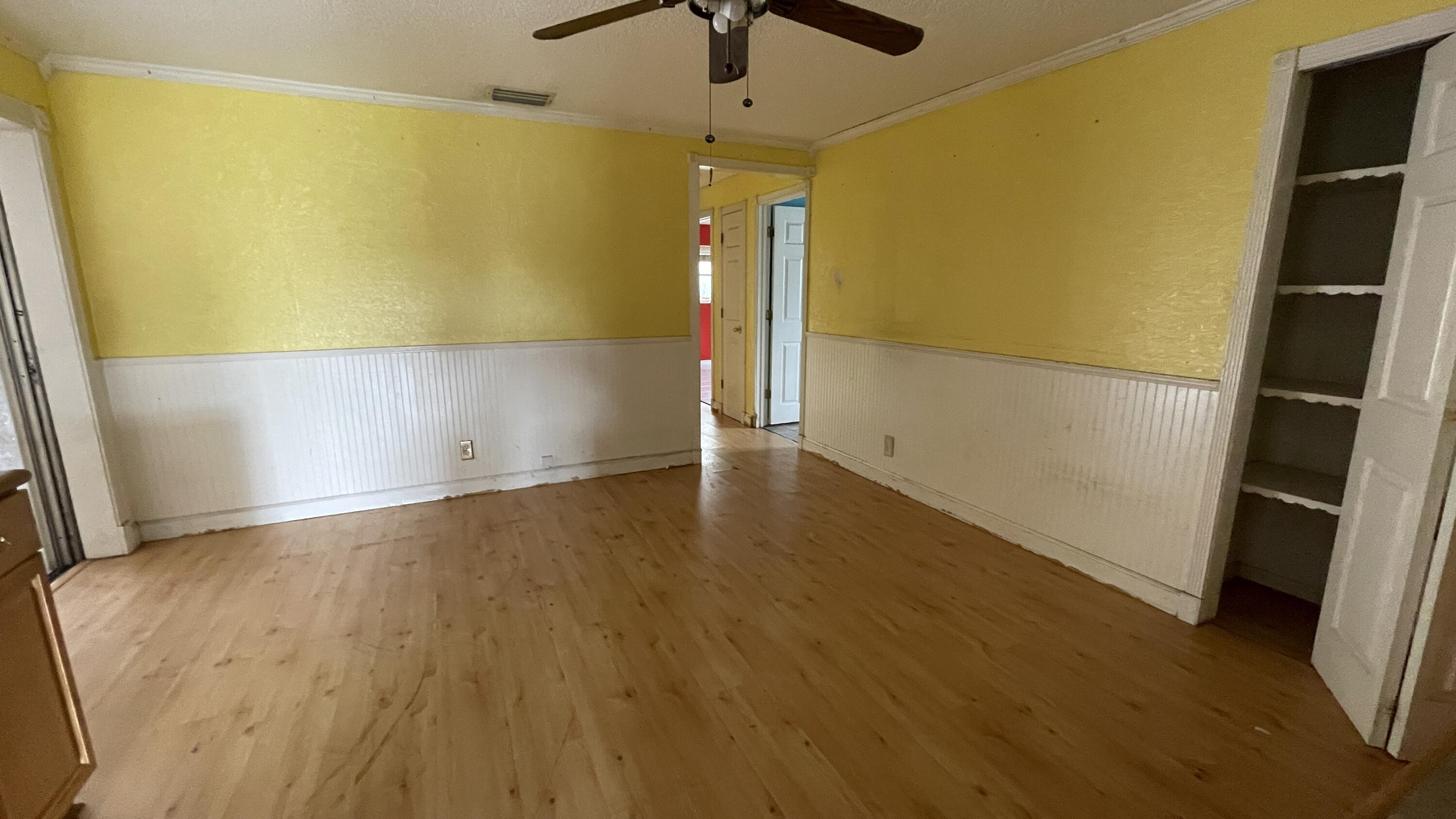 Image 3 of 18 For 6854 1st Street Nw