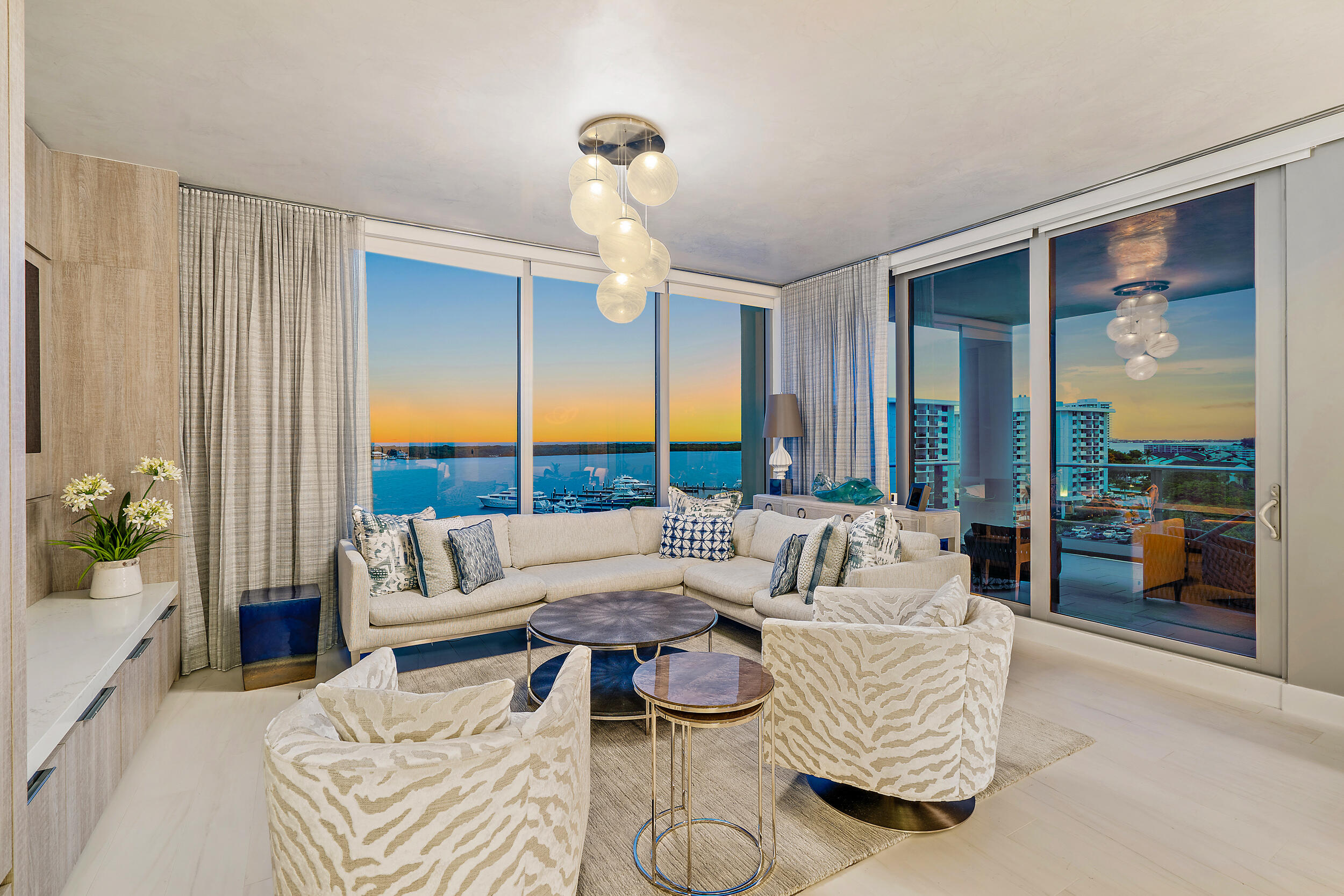 2  Water Club Way 804-S For Sale 10747405, FL