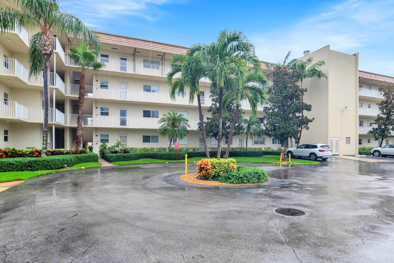 Home for sale in SNUG HARBOR GARDENS CONDO Boynton Beach Florida